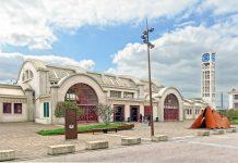 """Der Bahnhof von Lens repräsentiert die Form einer Lokomotive und wurde 1984 zu einem """"monument historique"""" von Frankreich ernannt - © Under CC BY-SA3.0/Wiki"""