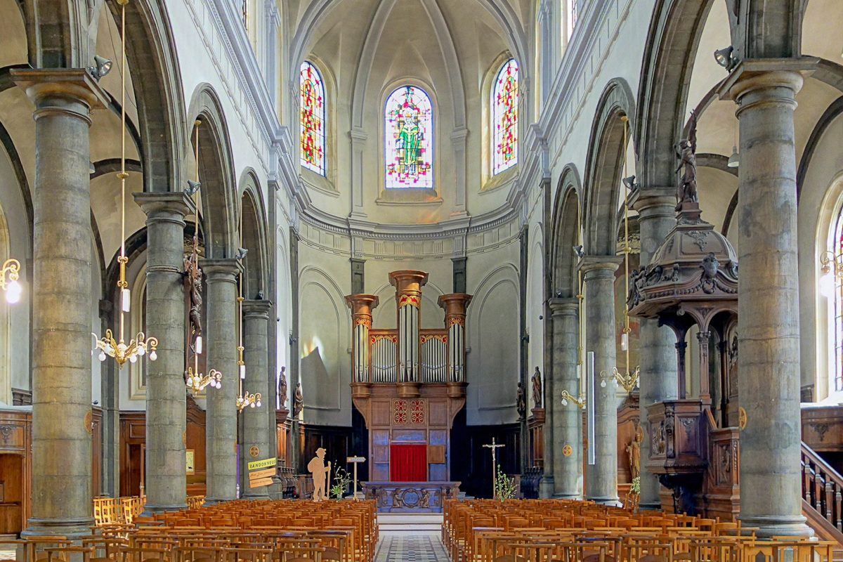 Die heutige Église Saint-Léger von Lens stammt aus den 1920er-Jahren und wurde bereits zum dritten Mal wieder aufgebaut, Frankreich - © Velvet CC BY-SA3.0/Wiki