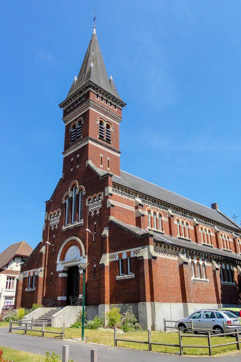 Die hübsche Église Saint-Edouard in Lens zählt als Teil des Nordfranzösischen Kohlereviers seit 2012 zum Weltkulturerbe der UNESCO, Frankreich - © Jérémy-Günther-Heinz Jähnick PD/Wiki