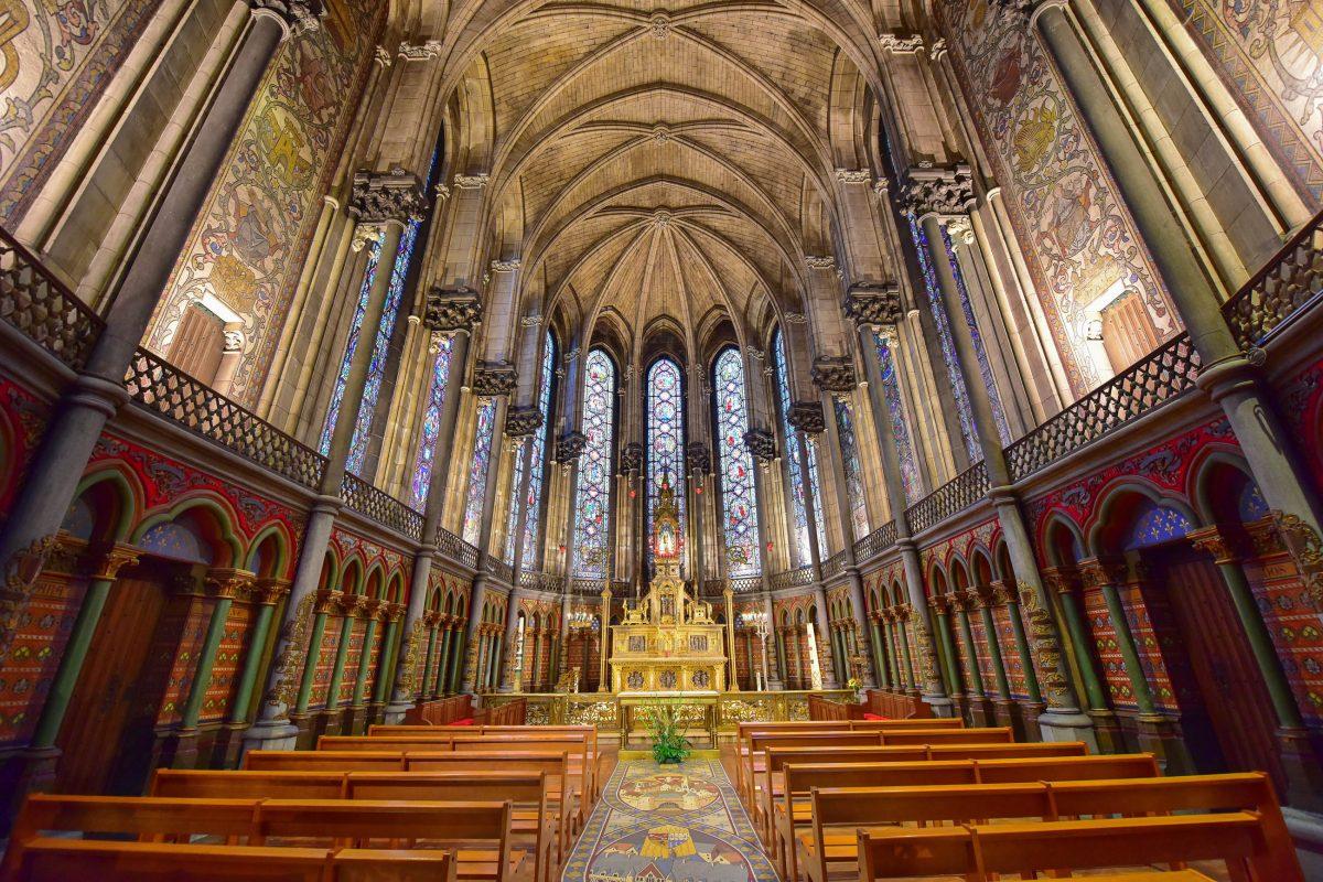 Am 1. Juli 1854 wurde der Grundstein für die prächtige Kathedrale von Lille gelegt, Frankreich - © Jordan Tan / Shutterstock