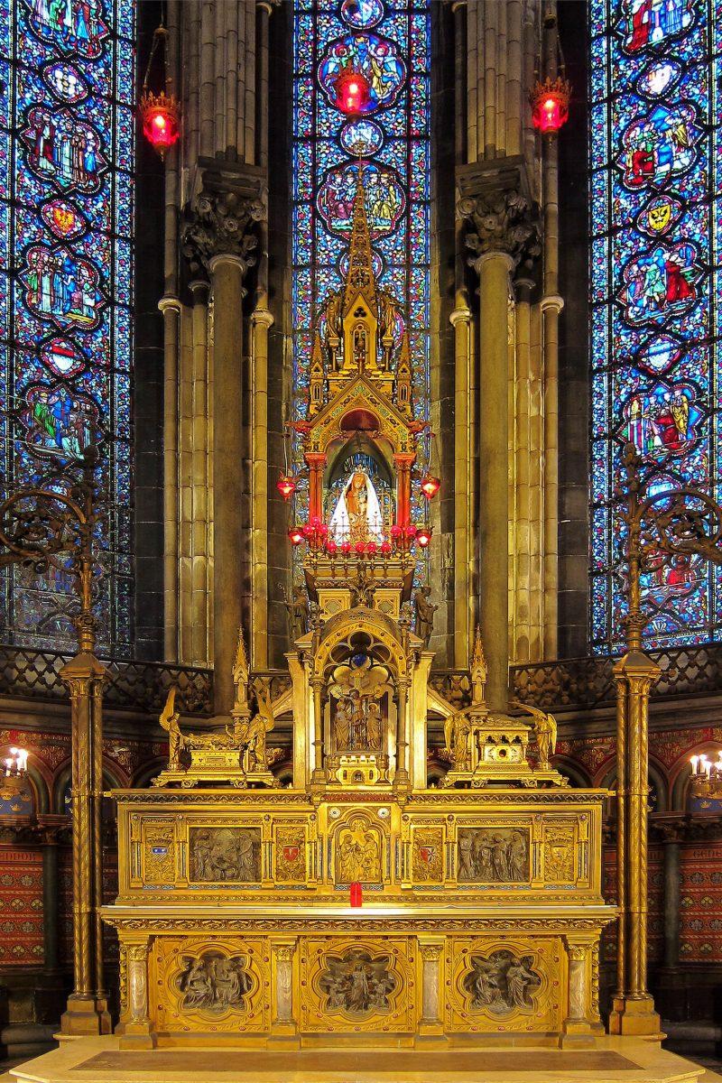 Das heutige Gnadenbild der Stadtpatronin in der Kathedrale von Lille wurde von Marie Madeleine Weerts geschaffen, Frankreich - © Velvet CC BY-SA3.0/Wiki
