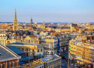 Durch die Ernennung Lilles zur Kulturhauptstadt 2004 wurde die Altstadt liebevoll restauriert, Frankreich - © Meiqianbao / Shutterstock