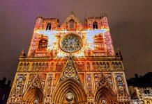 Die herrliche Kathedrale Saint-Jean am Fuß des Stadthügels Fourvière zählt zu den ältesten und prächtigsten Bauten der Altstadt  - © Oscity / Shutterstock