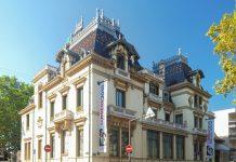 In der Straße des ersten Films in der Altstadt von Lyon wurde im heutigen Kino-Museum Institute Lumière 1895 der erste Film der Welt gedreht, Frankreich - © Matt Neale CC BY2.0/Wiki