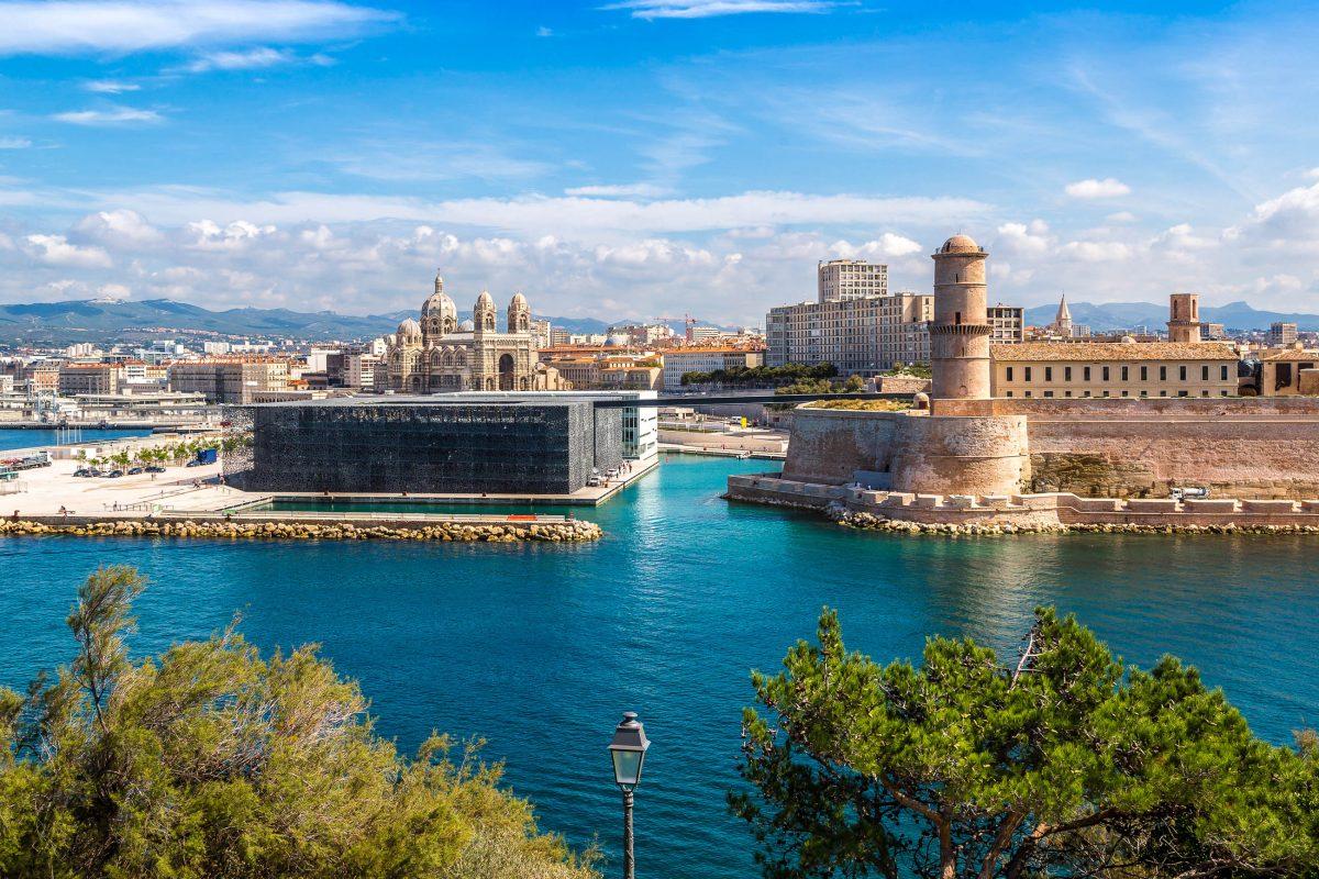 Seit dem Jahr 2013 ist das Fort Saint-Jean in Marseille Teil des benachbarten Museums MuCEM, Frankreich - © S-F / Shutterstock