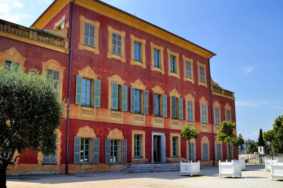Ein Großteil der Exponate im Matisse-Museum in Nizza stammt aus der Privatsammlung von Henri Matisse selbst, Frankreich - © Corentin / Shutterstock