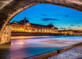 Das Musée d'Orsay im ehemaligen Bahnhof Gare d'Orsay zählt mit Kunstschätzen aus dem 19. und 20. Jahrhundert zu den meistbesuchten Kunstmuseen von Paris, Frankreich - © Marchal / Shutterstock