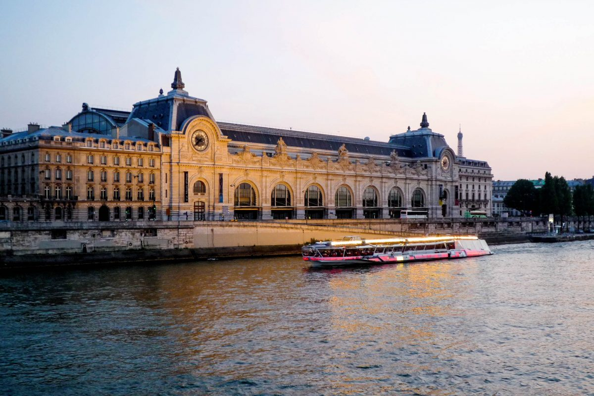 Für den Bau der 140m langen, 40m breiten und 32m hohen Halle des Gare d'Orsay in Paris, Frankreich, wurden rund 12.000 Tonnen Metall verwendet - © Dutourdumonde Photography / Shut