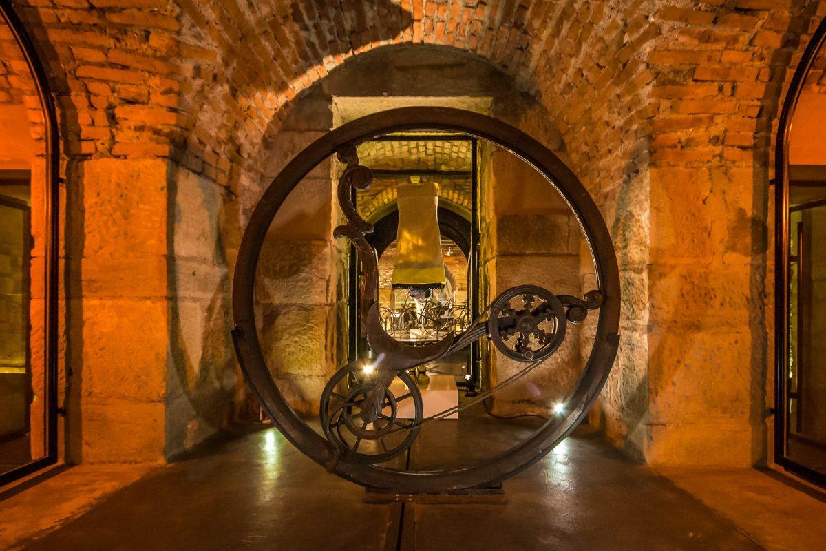 Das faszinierende Einrad aus Holz im Museum für Kunst und Industrie in Saint-Étienne, Frankreich - © Hélène Rival CC BY SA3.0/Wiki