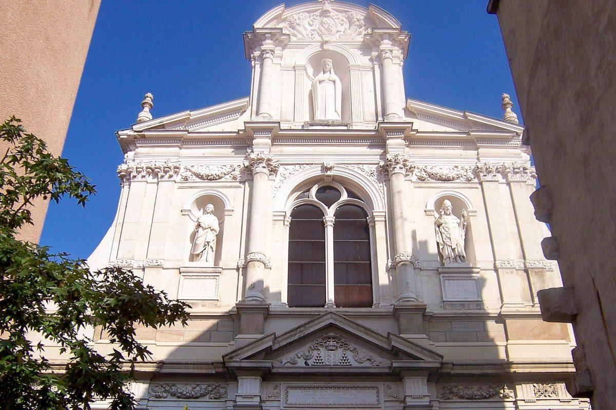 Die Kirche Notre Dame von Saint-Étienne wurde am 8. Dezember 1669 der Mutter Gottes geweiht, Frankreich - © Wikijoe PD / Wikipedia