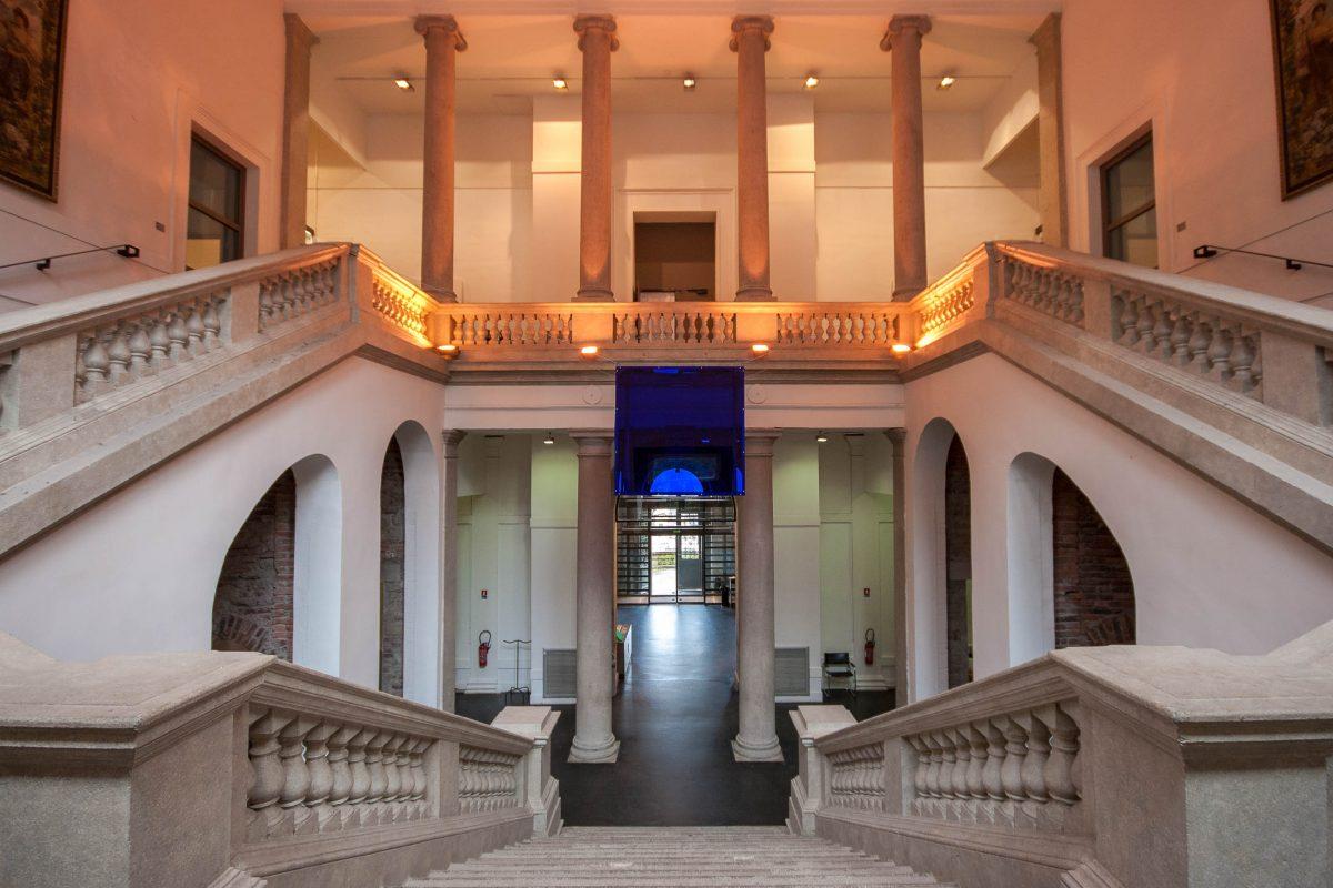 Es lohnt sich, auch die prächtige Architektur des Museums für Kunst und Industrie in Saint-Étienne genauer in Augenschein zu nehmen, Frankreich - © Hélène Rival CC BY SA3.0/Wiki