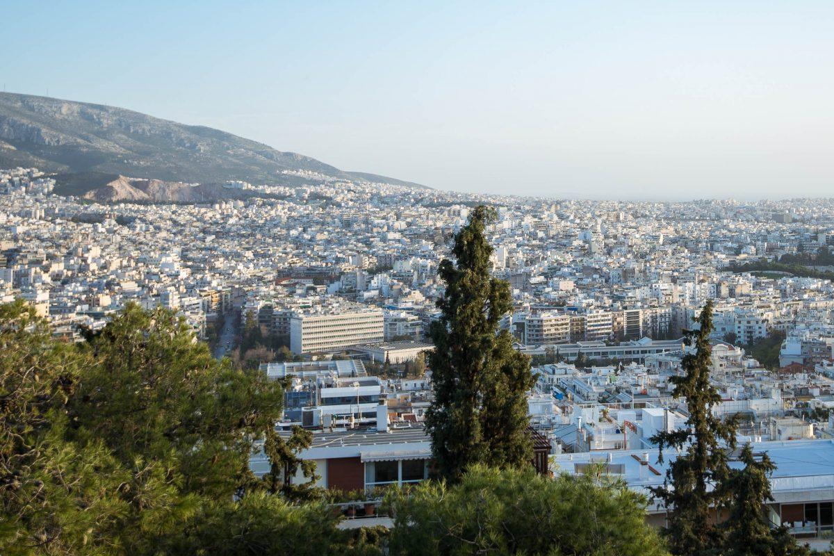 Der Aufstieg auf den Lykavittos wird durch einen atemberaubenden Überblick über Athen belohnt, Griechenland - © James Camel / franks-travelbox