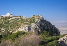 Der Lykavittos (Berg der Wölfe) ist mit 277 Metern die höchste Erhebung im Stadtzentrum Athens, Griechenland - © James Camel / franks-travelbox