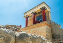 Der Palast von Knossós war einst Sitz von Minos, Sohn des Zeus und der Europa und König von Kreta, Griechenland - © Stefano Zaccaria / Shutterstock