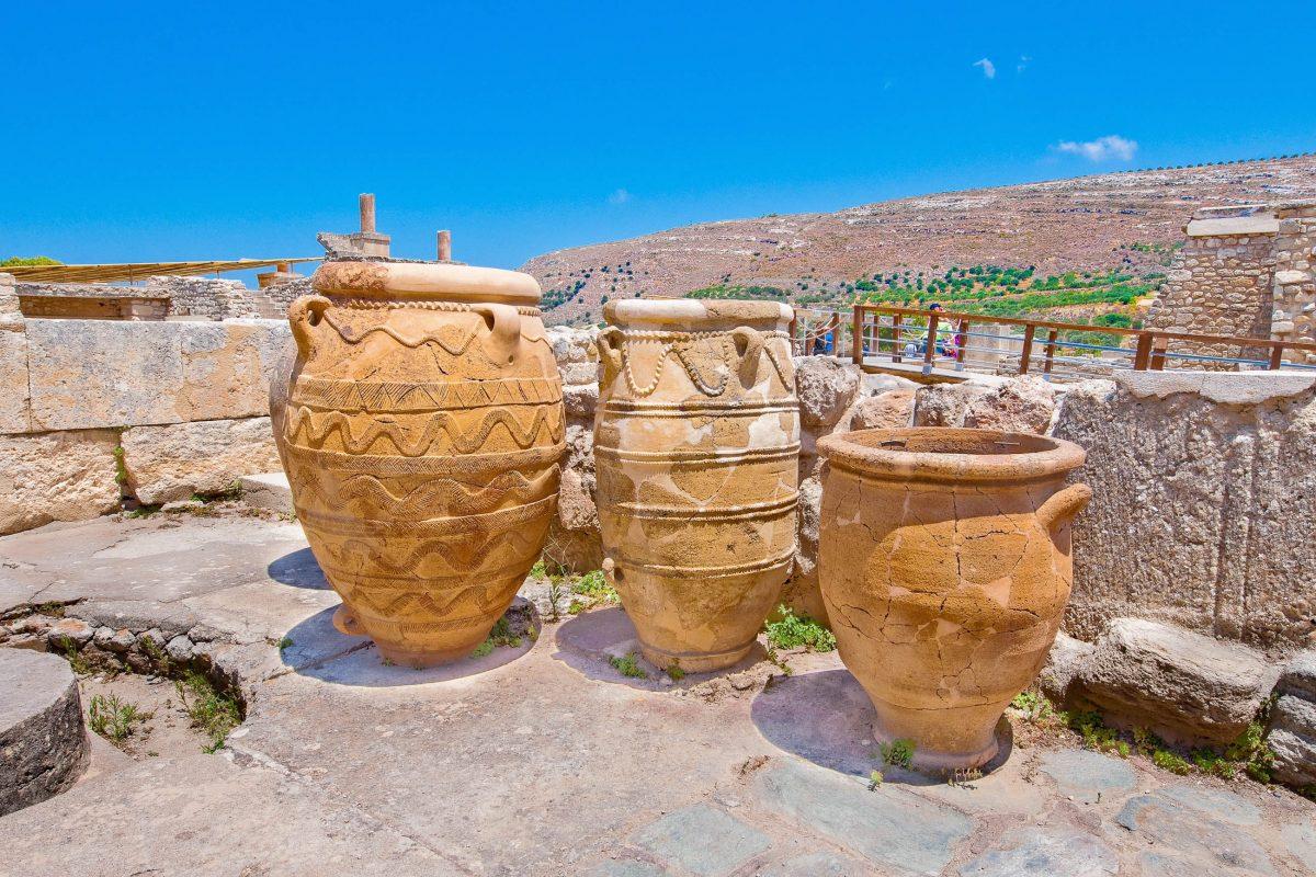 Die Ruinen des heutigen Palastes von Knossós stammen aus dem Zeitraum um 1450 vor Christus, Griechenland - © lornet / Shutterstock