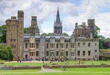 Das Cardiff Castle in Wales wurde über Jahrtausende erbaut und ist ein Mix aus römischem Kastell, normannischer Burg und viktorianischem Schloss, Großbritannien - © Lotharingia / Fotolia