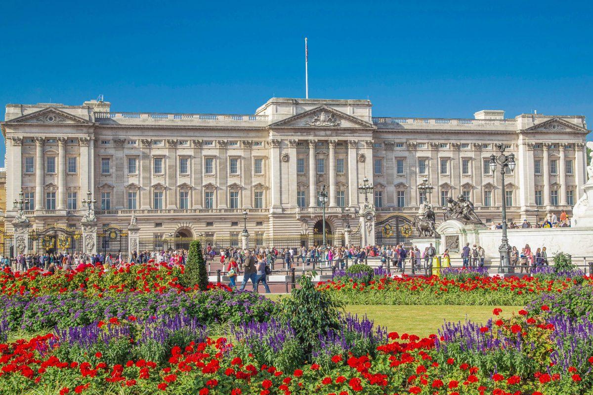 Der Buckingham Palace in London ist Sitz der britischen Krone und Residenz der Queen von England, Großbritannien - © bernd234 / Fotolia