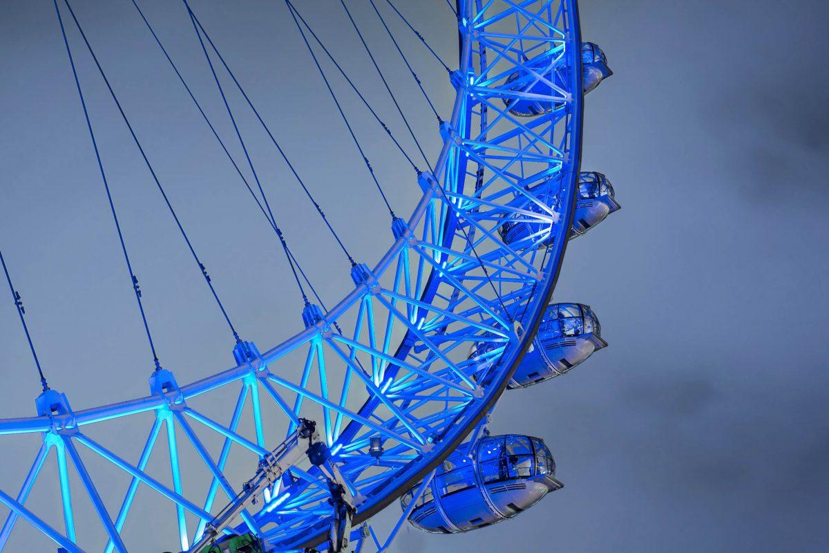 Die Gondeln des London Eye sind klimatisiert und außerhalb der Konstruktion befestigt, sodass kein einziger Stahlträger die fantastische Aussicht stört, Großbritannien - © zefart / Shutterstock