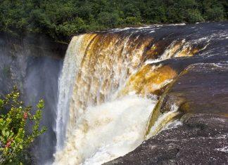 Der Kaieteur Wasserfall In Guyana - © ecoventurestravel / Shutterstock
