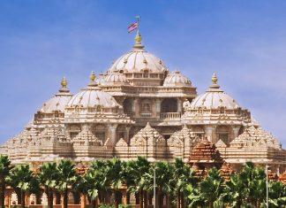 Akshardham ist ein prachtvoller hinduistischer Tempelkomplex im indischen Delhi, er wird auch oft als Swaminarayan Tempel bezeichnet.  - © jackmicro / Fotolia