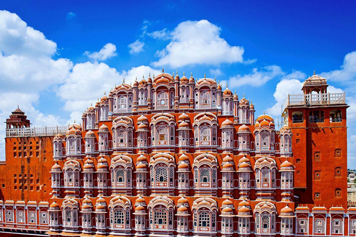 Der Hawa Mahal in Jaipur gehört zu den am meisten fotografierten Gebäuden Indiens - © Olena Tur / Shutterstock