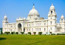 Das Victoria Memorial öffnete im Jahr 1921 seine Pforten und wurde zu Ehren Königin Victorias, die im frühen 20. Jahrhundert in Großbritannien und Indien herrschte, erbaut, Kalkutta, Indien - © OlegD / Shutterstock