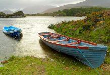 Die drei großen Seen im Killarney Nationalpark in Irland machen fast ein Viertel der Fläche des Killarney Nationalparks aus - © Patryk Kosmider / Shutterstock