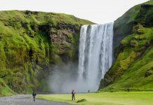 Der Wasserfall Skogafoss, Island - © FRASHO / franks-travelbox