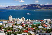 Blick auf Reykjavik, die Hauptstadt von Island - © Aivolie / Shutterstock