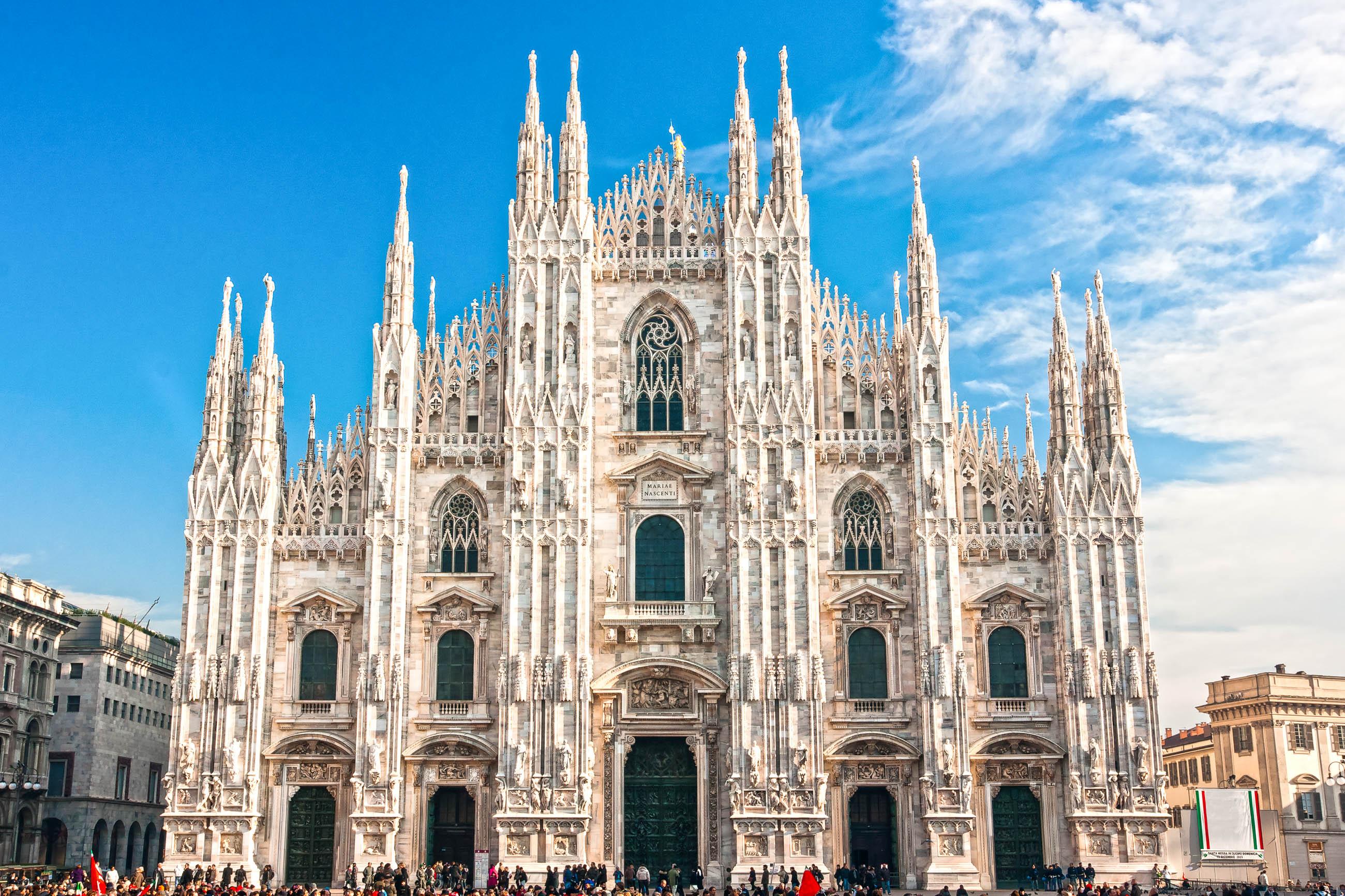 Mail nder dom in mailand italien franks travelbox for Architektur mailand