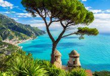 Spektakulärer Ausblick an der Amalfiküste, Italien - © DeVIce / Fotolia