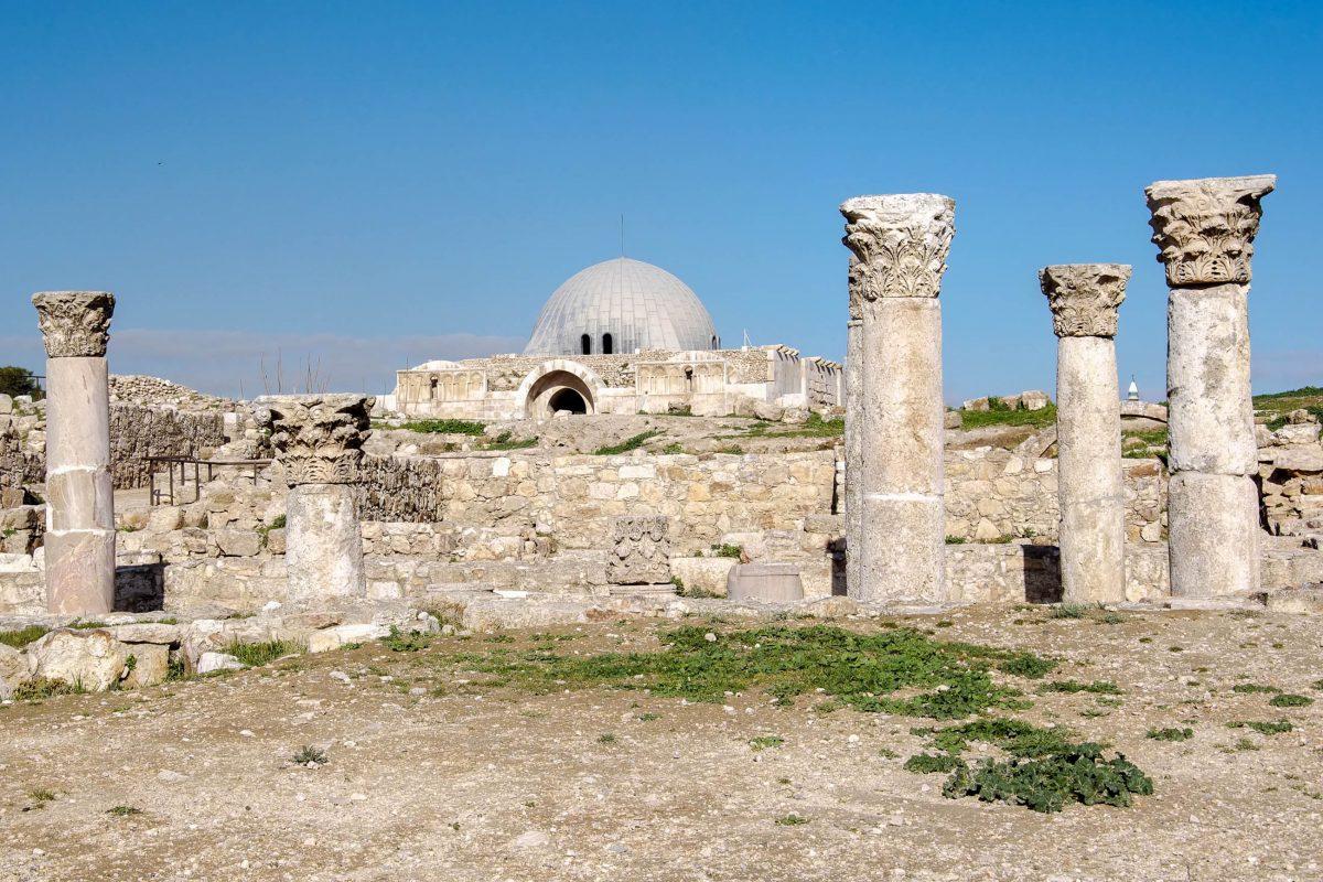 Der Umayyaden-Palast bildet neben dem Herkulestempel das zweite markante Bauwerk auf dem Zitadellenhügel von Amman, Jordanien - © flog / franks-travelbox