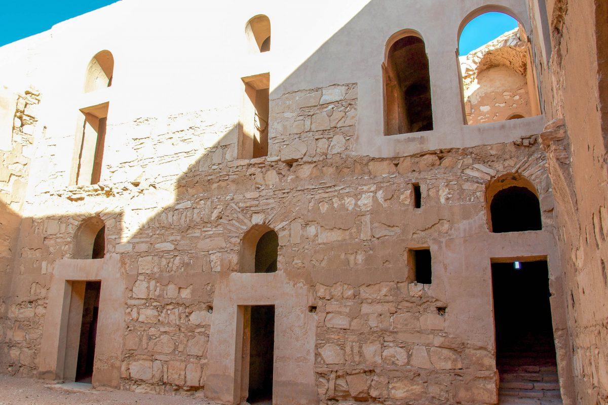 Bis heute ist nicht geklärt, zu welchem Zweck das Qasr Kharana im 8. Jahrhundert vor Christus errichtet wurde, Jordanien - © flog / franks-travelbox