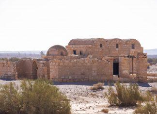 Das Wüstenschloss Qusayr' Amra ist eines der besterhaltenen Umayyaden-Schlösser in Jordanien und liegt etwa 85km von Jordaniens Hauptstadt Amman entfernt - © flog / franks-travelbox