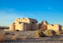 Das Wüstenschloss Qusayr' Amra stammt aus dem frühen 8. Jahrhundert und ist vor allem für seine Wandmalereien bekannt, Jordanien - © trouvail / Fotolia
