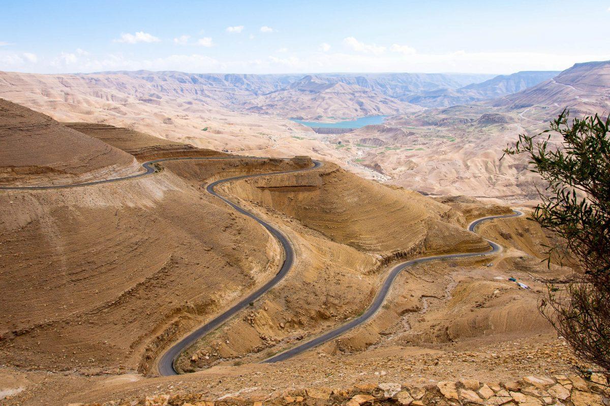 Der Grand Canyon von Jordanien bietet eine der weltweit schönsten Kulissen für Klettertouren und Canyoning - © flog / franks-travelbox