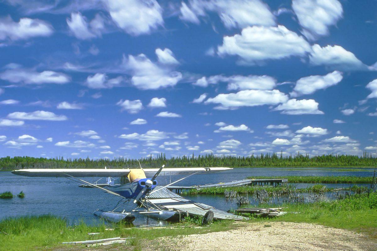 Anlegestelle für die Buschflieger im Wood Buffalo Nationalpark, Alberta, Kanada - © Pecold / Shutterstock