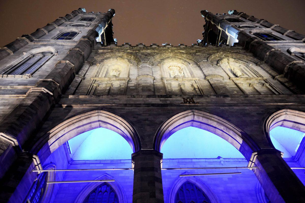 Bis 1928 hielt die Basilike Nôtre Dame den Titel des höchsten Gebäudes von Montreal, Kanada - © Felix Lipov / Shutterstock