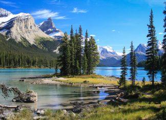 Spirit Island auf dem Maligne Lake im Jasper National Park, Alberta, Kanada - © Frank Merfort - Fotolia