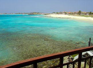 Blick über die traumhafte Bucht von Santa Maria im Süden der Insel Sal, Kap Verde - © ElderVieiraSalles/Shutterstock