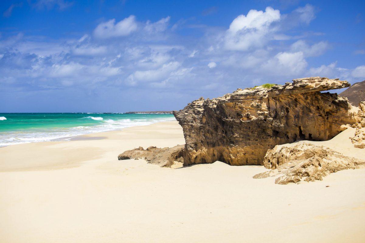 Der wunderschöne Praia da Varandinha im Südwesten der Insel Boa Vista, Kap Verde - © Sabino Parente / Shutterstock