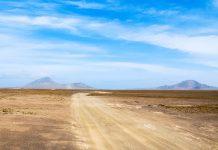 Die Insel Sal präsentiert sich auf den ersten Blick als langweilige, flache und absolut trockene Wüsteninsel, Kap Verde - © Piotr G / Shutterstock