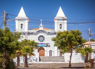 Die Igreja Nossa Senhora de Conceição in São Filipe, der Hauptstadt der Insel Fogo im Südwesten von Kap Verde - © / Shutterstock