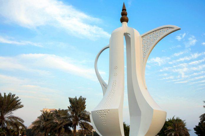 Im Sheraton-Park an der Corniche von Doha thront eine riesige