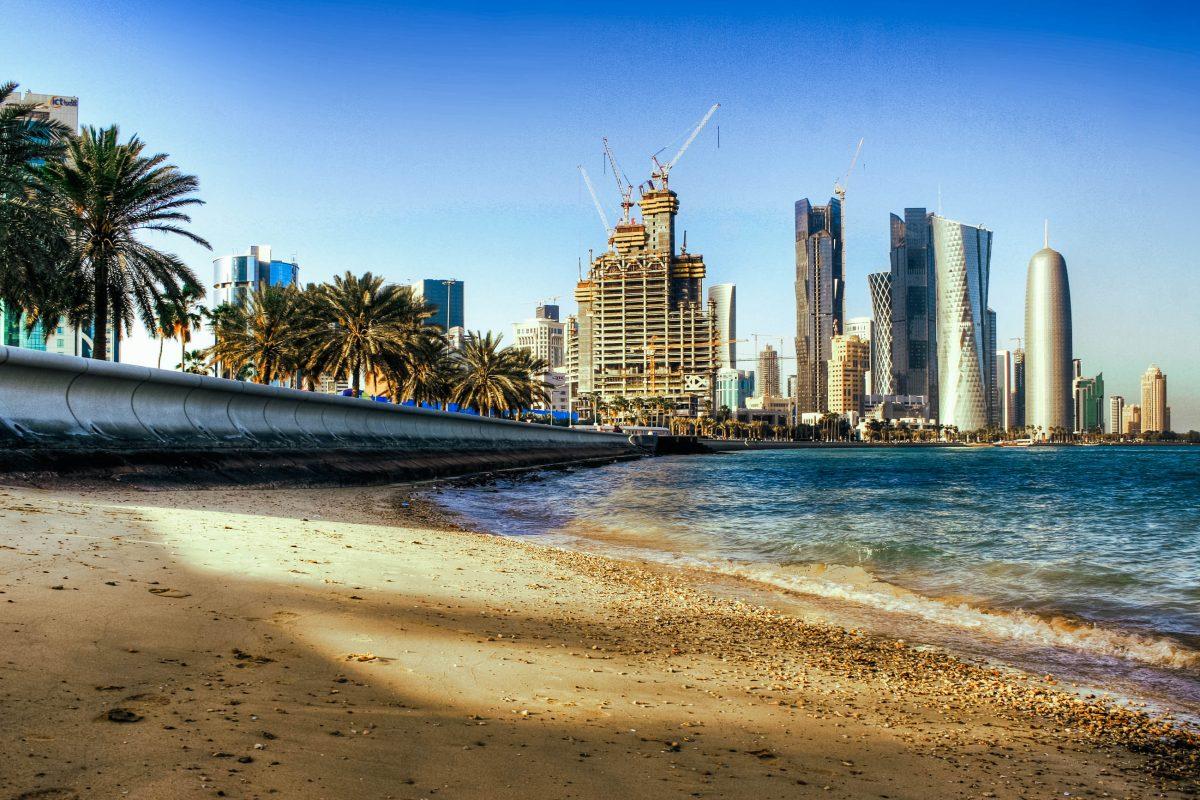 Inklusive Antenne sollen die Dubai Towers in Doha eine Höhe von 437 Metern erreichen und damit das höchste Gebäude Katars sein - © PlusONE / Shutterstock