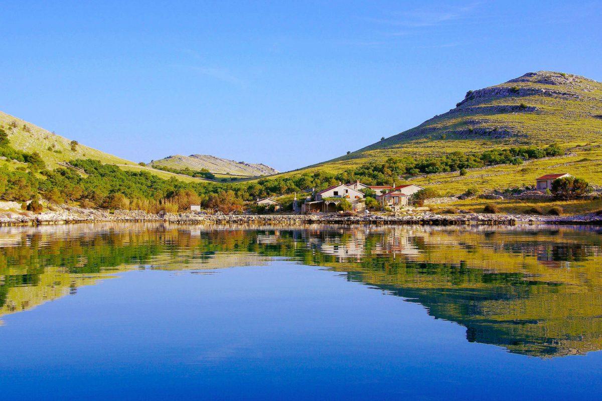 Auf den Hügeln der größten Kornaten-Insel Kornat wurden Überreste der Goten und Illyrer gefunden, Kroatien - © inavanhateren / Shutterstock