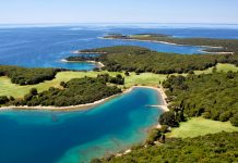 Auf seinen 14 Inseln bietet der Brijuni Nationalpark bei Istrien eine umfassende Flora und Fauna, Kroatien - © Igor Karasi / Shutterstock