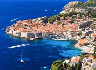 Blick auf die Altstadt von Dubrovnik, die zu den schönsten Städten im gesamten Mittelmeerraum zählt, Kroatien - © JanJar / Fotolia