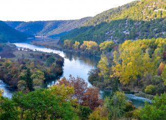 Blick in das Krka-Talk im gleichnamigen Nationalpark, Kroatien - © FRASHO / franks-travelbox