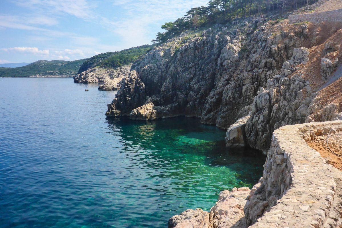 Das wunderbar saubere und kristallklare Wasser rund um Vrbnik auf der Insel Krk begeistert auch Taucher und Schnorchler, Kroatien - © Lila Pharao / franks-travelbox